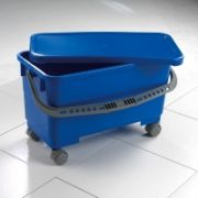24 litre bucket with lid and 50mm castors